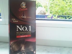 Weiße laktosefrei Schoki gab's nicht, daher habe ich diese laktosefreie Zartbitterschokolade verwendet