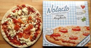 Die Nolacto-Margherita-Pizza vor dem Backen